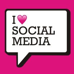 social media love speech bubble