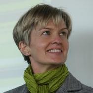 Robyn Lewis - VisitVineyards CEO