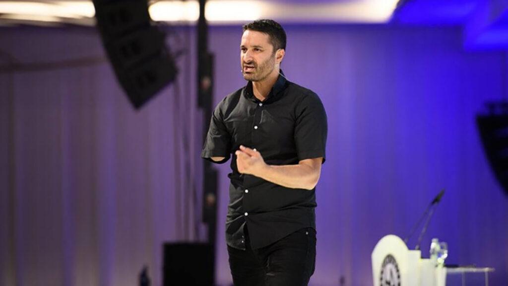 Global speaker shares 3 tips for establishing your voice as a leader
